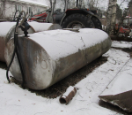 Tilatankki, Polttoainesäiliö, pumpulla n. 2,5 m³