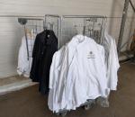 Erä vaatteita Palcae hotellista ja häkki