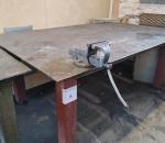 8. Työpöytä (metallia) ja ruustukki
