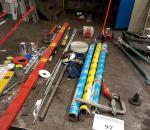 97. Tarvikkeet, työkalut ja laitteet pöydältä, erä
